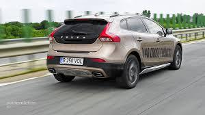 volvo v40 cross country r design volvo v40 cross country review autoevolution