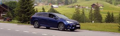 toyota auris suv toyota auris and avensis road test carwow