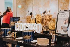 Garretts Popcorn Wedding Favors by The Wedding Scoop