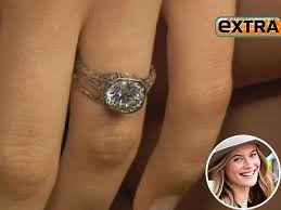 behati prinsloo wedding ring help what of wedding band can i choose for my e ring pic