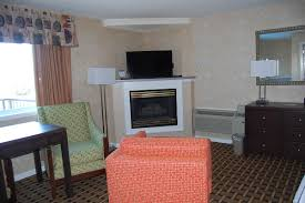 pigeon forge honeymoon hotel suite with jacuzzi vacation lodge