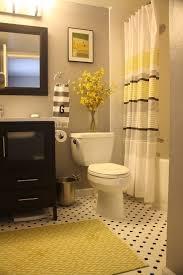 Decorative Bathrooms Ideas Best 25 Yellow Bathroom Decor Ideas On Pinterest Guest Bathroom