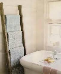 Leaning Bathroom Ladder Over Toilet by How To Decorate With Vintage Ladders 20 Ways To Inspire