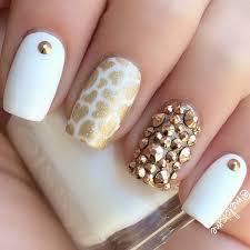35 elegant and amazing white and gold nail art designs gold nail
