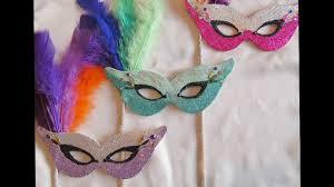 diy mardi gras style masks with glitter