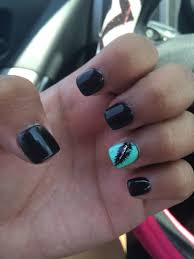 design f r fingern gel black nails with sea foam green ring finger with a feather