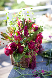 floral centerpieces how to make a lush floral centerpiece a practical wedding