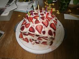 my older sisters birthday cake by splitpea202 on deviantart