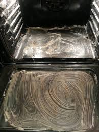 clean you oven with 3 4 drops of dawn 4 t of baking soda 5 t