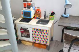 diy cuisine enfant 2 façons de customiser la cuisine ikea babayaga
