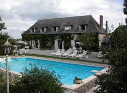 gite 7 chambres gîte prestigieux avec piscine chauffee court de tennis salle
