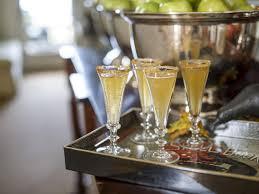 easy apple cider champagne cocktail apple cider champagne
