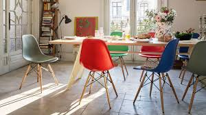 eames chair side table vitra eames plastic side chair dsw