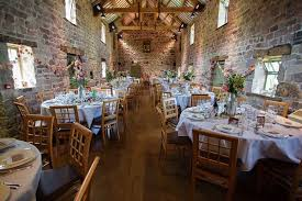 Barn Wedding Reception Ideas Barn Wedding Venues U2013 From Romantic And Rustic To Chic And Glamorous