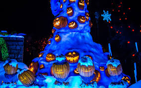 Halloween Tree Lights Disney Photoblography A Halloween Christmas Tree In The Graveyard