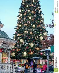 disneyland paris christmas tree editorial photo image 65051981