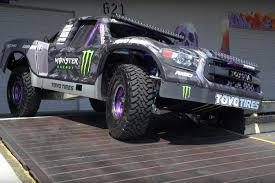 baja trophy truck bj baldwin u0027s 800hp trophy truck shreds tires on donut garage