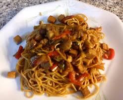 cuisiner des pates chinoises wok de nouilles chinoises au tofu recette de wok de nouilles