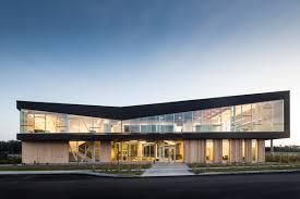 bureau architecte qu饕ec primée pour la conception des bureaux de pomerleau à lévis