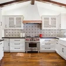 Best  Mediterranean Kitchen Decor Ideas On Pinterest - Mediterranean kitchen cabinets