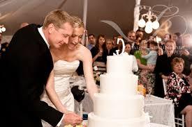 wedding cake cutting tips advice when should we cut the cake dpnak weddings