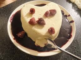 coeur a la creme with raspberry and grand marnier sauce