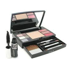 dior dior travel studio makeup palette collection voyage pact 6xe shadow 3xlipgloss mascara