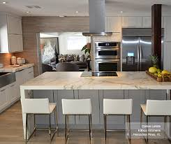 gray kitchen with white cabinets alpine white cabinets homecrest cabinetry