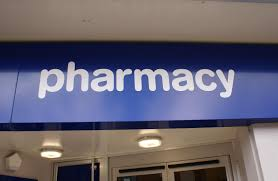 where to find pharmacy technician jobs how to become a pharmacy