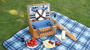 picnic basket set for 4 vonshef 4 person wicker picnic basket set vonshef