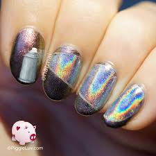 piggieluv holo spray paint nail art