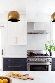 Kitchens With White Cabinets And Black Countertops Best 25 Black White Kitchens Ideas On Pinterest Grey Kitchen