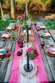 bright settings table linen rental 9 trending table runners for weddings mywedding