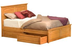 Monterey Bedroom Furniture by Monterey Platform Bed Raised Panel Footboard