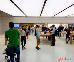 we visited the apple store in singapore geekturf