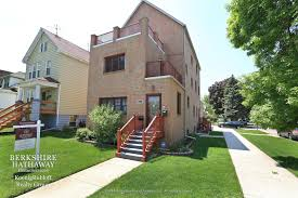 new on the chicago real estate market 3 bedroom in jefferson park