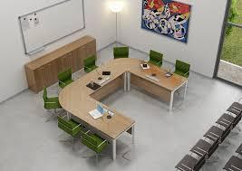 bureau en u vergadertafel u vorm kantoorinrichting tips