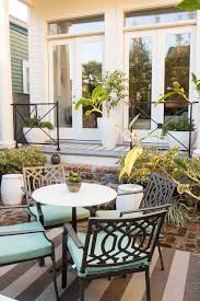 3 things your outdoor entertaining space is telling your guests