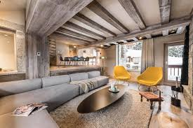 Méribel Chalet Mixes Well The Traditional Look Of An Mountain Home - Mountain home interior design
