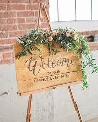 Wedding Entrance Backdrop Best 25 Wedding Entrance Table Ideas On Pinterest Guest Book