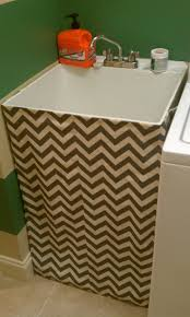 Laundry Room Utility Sinks by Best 25 Utility Sink Skirt Ideas On Pinterest Utility Sink