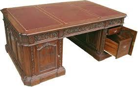 Resolute Desk Lot Detail White House Oval Office Resolute Desk