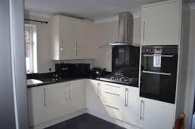 kitchen in high gloss cream b u0026q kitchen and bathroom design
