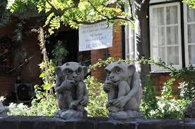 thief returns stolen gargoyles after harry potter curse by