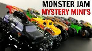 mini monster jam truck toys amazon com 2017 wheels monster jam green dragon with team
