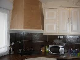 habillage hotte de cuisine décoration hotte cuisine exemples d aménagements