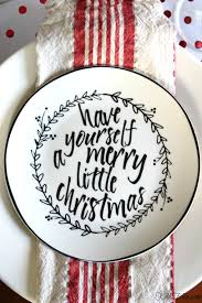 love these graphic black and white christmas plates with a