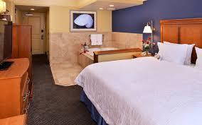 Bedroom Furniture Va Beach Hotel Rooms In Virginia Beach Hampton Inn Virginia Beach