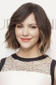 best haircut for round face short neck hair