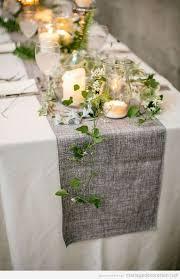 chemin de table mariage décorer table de mariage vintage avec un chemin de table couleur
